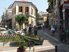Psiri is a neighborhood in the old part of Athens. It is the center of nightlife… My Athens, Athens Greece, Places Around The World, Around The Worlds, Places To Travel, Places To Go, Land Ho, Athens Acropolis, Italy Spain