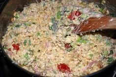 Divine Macaroni Salad - Kitchen ♥ Love - This macaroni salad is addictively delicious ! I always fill a large pan so that we can eat it fo - I Love Food, Good Food, Yummy Food, Good Healthy Recipes, Healthy Breakfast Recipes, Easy Diner, Snacks Für Party, Happy Foods, No Cook Meals