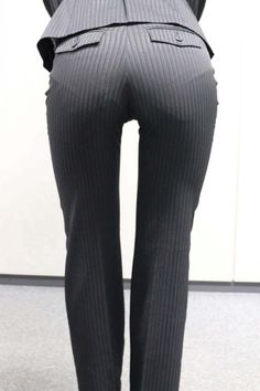 Sexy Jeans, Tops For Leggings, Leggings Are Not Pants, Belle Nana, Secretary Outfits, Tailor Made Suits, Sexy Hips, Fetish Fashion, White Pants