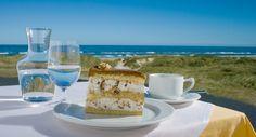 http://www.svinkloev-badehotel.dk/uploads/images/restaurant/valnoeddelagkage.jpg