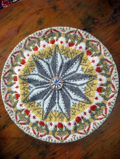 Love this tam! I think it is JUST MEAN that the designer has not made the pattern available. Oh to be this talented!