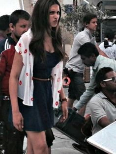 'Tamasha' Diaries: Ranbir sports a 'different' hairstyle while Deepika looks on! | PINKVILLA