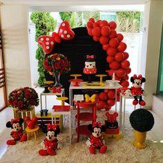 Minnie Mouse Birthday Theme, Baby Girl Birthday Theme, Candy Theme Birthday Party, Mickey 1st Birthdays, Minnie Mouse Theme, Mickey Party, Simple Birthday Decorations, Minnie Mouse Party Decorations, Minne