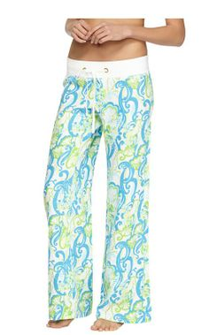 "Awesome ""Cover-Up"" w/ a blue/turquoise suit! ~ Lilly Pulitzer Linen Beach Pant in Resort White Crystal Coast Preppy Style, My Style, Girl Style, Linen Beach Pants, Summer Essentials, Spring Summer Fashion, Spring Style, Dress To Impress, Lilly Pulitzer"