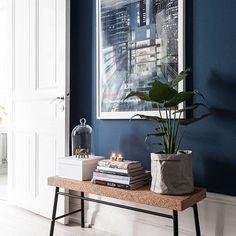 Repost: AzulRazones por las que este color ( en su amplia gama ) sigue en tendencia y se posiciona dentro de nuestros favoritos desde el año pasado ??? Simple! Directamente en el link de la BIO! . . #blue #decor #home #homedecor #space #house #indigo : @thedecojournal