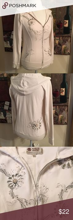 ONE WORLD SPECIAL ISSUE ZIP UP HOODED KNIT TOP ONE WORLD Special Issue Zip Up Knit Top. Cream with black floral print and gold rhinestones. Size M ONE WORLD Tops Sweatshirts & Hoodies
