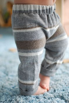 These sweater pants made from an old wool sweater are warm, easy to make and ADORABLE!!! :)