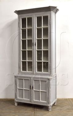 Bookcase Hardwood Antique Wash Finish Crown Top Glass Doors New Free shipping #Martelle #BritishColonial