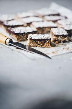 Nut quinoa & chocolate bars//