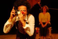 """A companhia de teatro VagaMundo vem do Rio Grande do Sul para apresentar a montagem """"La Perseguida"""" na Boca Maldita. O espetáculo tem duração de uma hora e acontece dia 18 de agosto, ao meio dia, sem custo. Priorizando o improviso, a companhia traz um roteiro com elementos e emoções do circo. """"La Perseguida"""" é...<br /><a class=""""more-link"""" href=""""https://catracalivre.com.br/curitiba/agenda/gratis/improviso-e-artimanhas-circences-juntam-se-em-teatro-de-rua/"""">Continue lendo »</a>"""