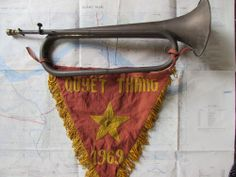 Vietnam war _VIETCONG_NLF_BRASS BUGLE _ BUGLE WAR _FLAG 1969_ORIGINAL IN WARTIME