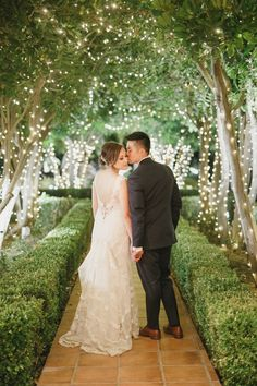 You'll be ooohing and ahhing over this fairytale-esque vineyard wedding at the Ville De Amore in beautiful Temecula Wine Country in Southern California.