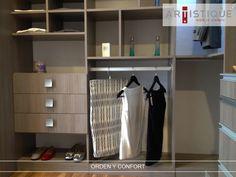Compartimos otra fotografía de uno de nuestros closets instalado en la Ciudad de México...! Creamos espacios, confortables y ordenados para nuestros clientes...!