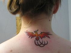 Attractive Phoenix Tattoo Designs and Patterns Back Of Neck Tattoos For Women, Small Neck Tattoos, Neck Tattoos Women, Top Tattoos, Badass Tattoos, Tatoos, Phoenix Back Tattoo, Small Phoenix Tattoos, Phoenix Tattoo Design