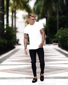 Style by @johnnyedlind Yes or no? Follow @mensfashion_guide for dope fashion posts! #mensguides #mensfashion_guide
