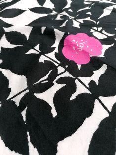 Marimekko Finland Ruusupuu vintage black and pink   Etsy Retro Home Decor, Vintage Decor, Etsy Vintage, Vintage Shops, Vintage Items, Vintage Pins, Vintage Art, Antique Collectors, Antique Stores