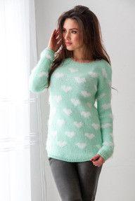 Włochaty miętowy sweter w serca