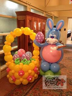 #Easter Bunny and his basket full of eggs. Lovely. #BalloonDecorations