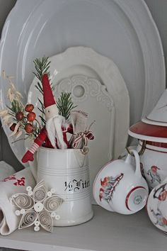 You can`t use up CREATIVITY. Christmas Lanterns, Christmas Tablescapes, Christmas Themes, Christmas Holidays, Christmas Decorations, Christmas Ornaments, Merry Christmas, St Lucia Day, Saint Lucia