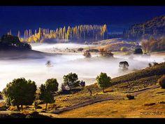 Niebla matinal sobre el Lago Lolog