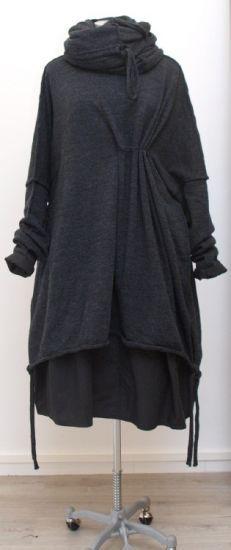 barbara speer - Riesenpulli Cape gekochte Wolle anthra - Winter 2015