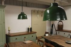 INDUSTRIAL-STYLE-HANGING-DOME-LIGHT-GREEN-VINTAGE-STYLE