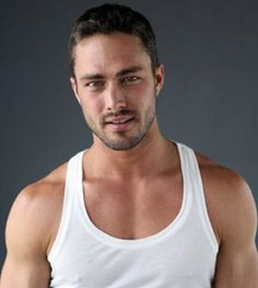 Taylor Kinney ~ Chicago Fire    Aye Chico