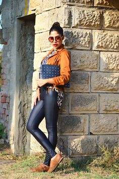 Leopard with fringes #fashion #style #outfit #legging #fringes #clutch #photography