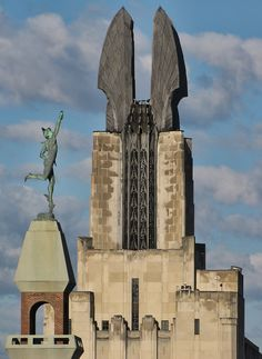 """Mercury and Wings of Progress    Rochester, NY -- we always called these """"The 4 Nuns."""" :D"""