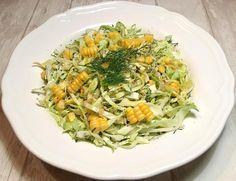 Spidskålsalat med friske majs og klippet dild