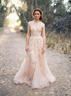 I found some amazing stuff, open it to learn more! Don't wait:http://m.dhgate.com/product/vintage-2014-lace-wedding-dresses-champagne/192193788.html