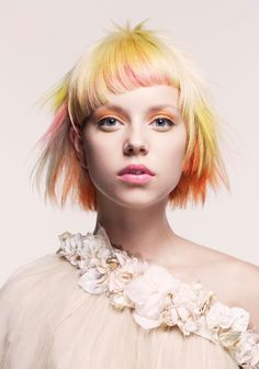 Blonde,Yellow,Orange & Pink PL:US a great cut!