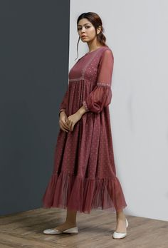 Casual Indian Fashion, Indian Fashion Dresses, Indian Designer Outfits, Stylish Dress Book, Stylish Dresses For Girls, Beautiful Dress Designs, Stylish Dress Designs, Sleeves Designs For Dresses, Dress Neck Designs