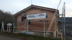 Suite chantier Ste AGNES ... Grenoble, Fibre, Facade, Cabin, House Styles, Home Decor, Terrace, Decoration Home, Room Decor