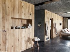 Totally Awesome Wedding Ideas for Yours Design Interieur Bardage Bois Naturel Murs Beton Bricolage Design Hotel, House Design, Rustic French, Modern Rustic, Rustic Saunas, Interior Walls, Interior Design, Barn Renovation, Sauna Room