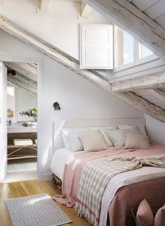 Le plus joli appartement sous combles de Madrid - PLANETE DECO a homes world Indian Home Decor, Unique Home Decor, Cheap Home Decor, Boho Bedroom Decor, Modern Bedroom, Small Apartments, Small Spaces, Bedroom Built Ins, Attic Bedroom Designs
