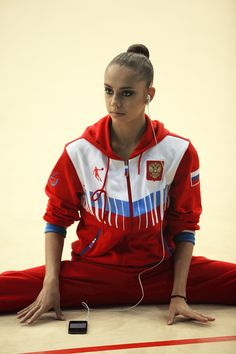 Margarita Mamun training rhythmic gymnastics