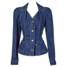 Galliano for Dior Denim Blazer circa early 1 Source by bckfranzis blazer Denim Blazer, Jeans Denim, Denim Outfit, 2000s Fashion Trends, Early 2000s Fashion, Couture Coats, Look Jean, Look Street Style, Denim Ideas
