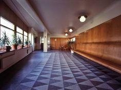 Erik Gunnar Asplund - Gallery 10 - The Chapel Crematorium 1935 - 1940 Timber Cladding, Light And Space, Le Corbusier, Interior Lighting, Interiores Design, Interior Architecture, Bungalow, Art Deco, House Design