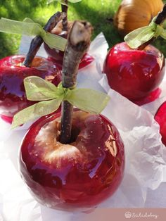 Cukros alma | Sütidoboz.hu Plum, Cherry, Apple, Fruit, Halloween, Food, Apple Fruit, Essen, Meals