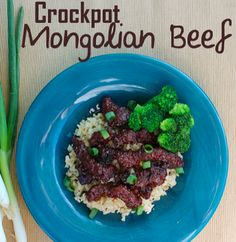 Crockpot Mongolian beef recipe. If you love Mongolian beef from PF Chang's you'll love this slow cooker recipe alternative!!!!