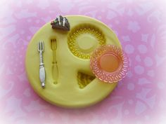 Cake Plate Fork Tiny Mini Mold Deco Sweets Kawaii Food Silicone Flexible Clay Resin Mould on Etsy, Cute Polymer Clay, Polymer Clay Charms, Miniature Kitchen, Miniature Dolls, Dollhouse Tutorials, Miniature Tutorials, Resin Molds, Silicone Molds, Barbie