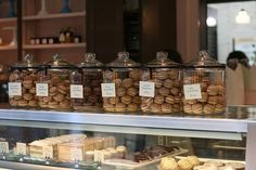 Ideas for diy food display ideas buffet Bakery Display Case, Pastry Display, Cookie Display, Bakery Store, Bakery Cafe, Bakery Interior, Bakery Kitchen, Food Displays, Bakery Design