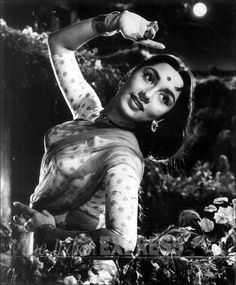 Sadhana: Unseen pictures of Bollywood's timeless beauty from Express archives
