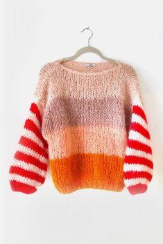 Nudish Stripe Big Mohair Sweater - Bohem Stil Nudish Stripe Big Mohair Sweater Record of Knitting Yarn spinning, weaving and stitchin. Mohair Sweater, Knit Fashion, Mode Outfits, Sweater Weather, Winter Sweaters, Pulls, Knit Dress, Knitting Patterns, Knitting Ideas