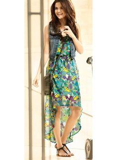 Selena Gomez    Look de star Hippie chic    Le look Hippie Chic de Selena Gomez pour un printemps ensoleillé.