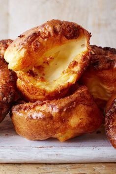A Sunday roast just isn't complete without a crispy Yorkshire, and this perfect Yorkshire pudding recipe from Tesco Real Food is a real winner Christmas Food Gifts, Christmas Lunch, Christmas Cooking, Christmas Parties, Christmas Time, Tesco Christmas, Churros, Roast Recipes, Cooking Recipes