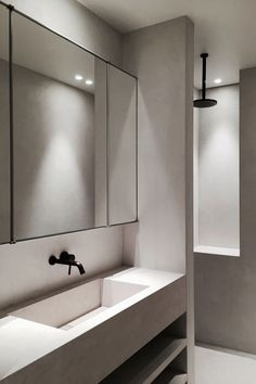modern luxury bathroom design ideas for your home    www.bocadolobo.com #bocadolobo #luxuryfurniture #exclusivedesign #interiodesign #designideas #homedecor #homedesign #decor #bath #bathroom #bathtub #luxury #luxurious #luxurylifestyle #luxury #luxurydesign #tile #cabinet #masterbaths #tubs #spa #shower #marble #luxurybathroom #bathroomdesign #bathroomdecor #bathroomdecorideas