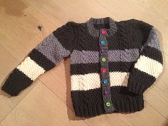 Smarties-Jäckli für Mateo Knitting For Kids, Sweaters, Fashion, Products, Moda, Fashion Styles, Sweater, Fashion Illustrations, Sweatshirts