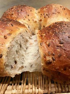 Pain convivial aux céréales, à partager, un délice et facile à faire !!! Brioche Bread, Bread Bun, Easy Bread, Cooking Bread, Bread Baking, Croissant, Arabic Food, Food And Drink, Sweet